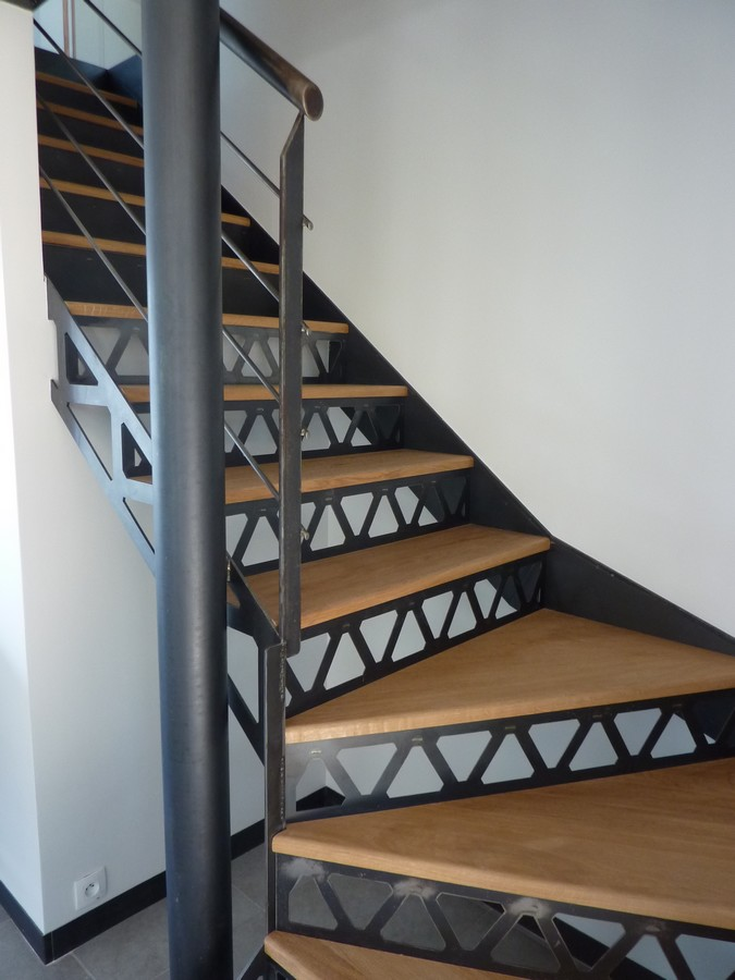 interesting escaliers boisacier sur mesure with tole inox alimentaire sur mesure. Black Bedroom Furniture Sets. Home Design Ideas
