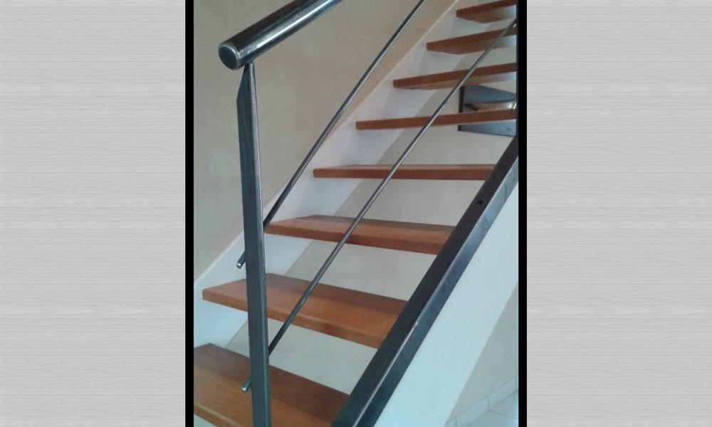 Escaliers sur mesure en m tal bretagne arinox - Changer un escalier en bois ...